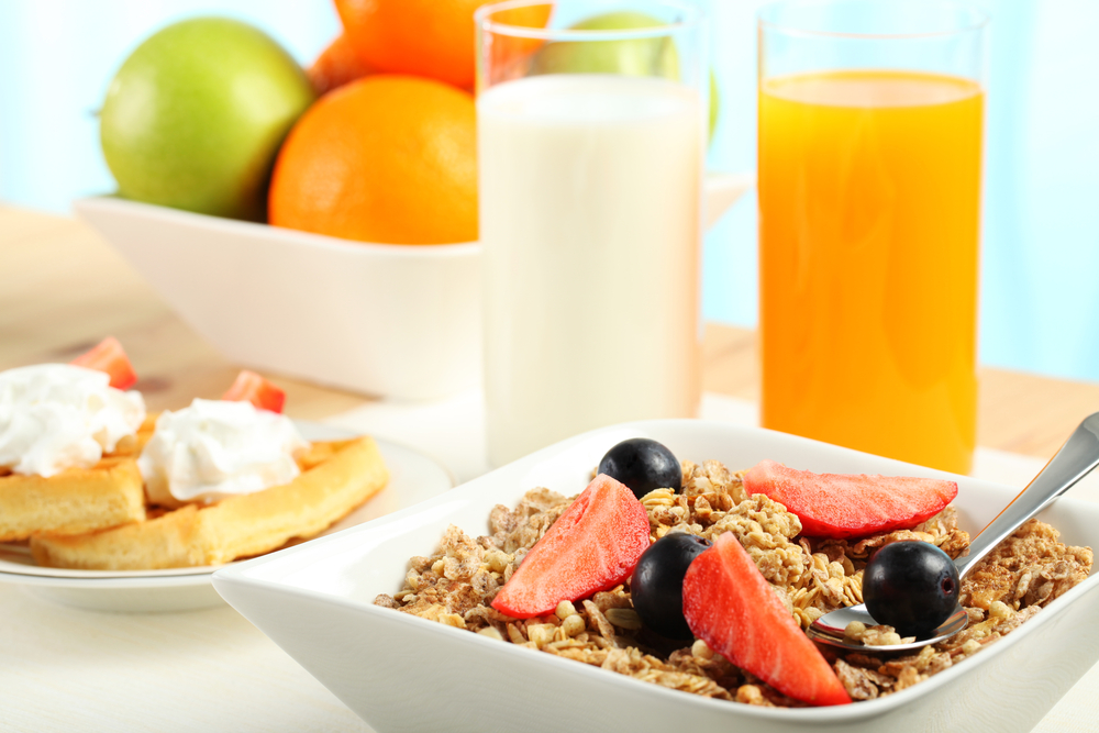 Τα λάθη που κάνεις με το πρωινό και τα οφέλη του για μυαλό, μνήμη, καρδιά και ενέργεια