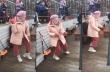 Η γιαγιά χορεύει με το κομμάτι