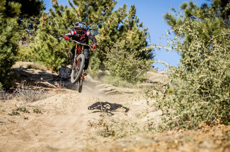 Downtime: Aaron Gwin – Video