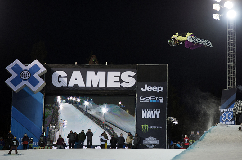 H Chloe Kim κέρδισε στο Women Snowboard Superpipe στα Χ Games Aspen 2015