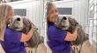 Γαϊδουράκι απολαμβάνει μια αγκαλιά