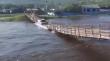 Γέφυρα καταρρέει καθώς περνάει ένα φορτηγό