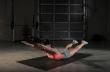Superman: Η άσκηση που γυμνάζει 3 περιοχές του σώματος ταυτόχρονα