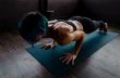 Γύμνασε όλο το σώμα σου σε ένα τέταρτο με 4 ασκήσεις!